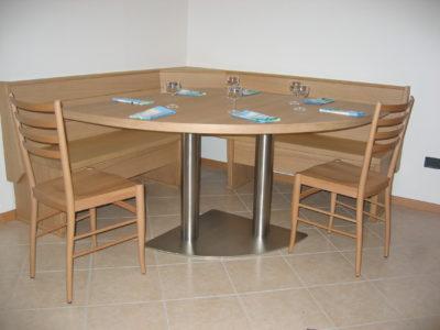 panca orchidea e tavolo margherita