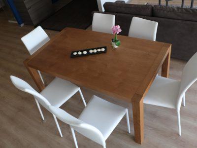 tavolo genziana in rovere con nodi